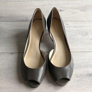 Nine West kitten heel peep toe gray leather pumps